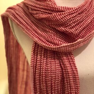 Red & white pattern scarf